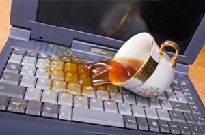 Пролили жидкость на ноутбук? Первая помощь ноутбуку!